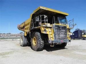 Komatsu HD465-7E0 Dump Truck Manual